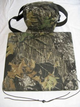 Hunting Seat with Pouch