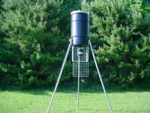 225 lb Tripod Deer Feeder w/ R-Kit Timer