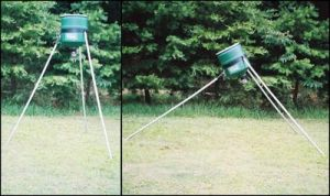 100 lb Tripod Deer Feeder Tilting Solow w/ C74 Timer